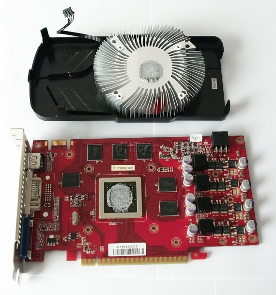 Gainward GeForce GTX 550 Ti Golden Sample: rozebraná
