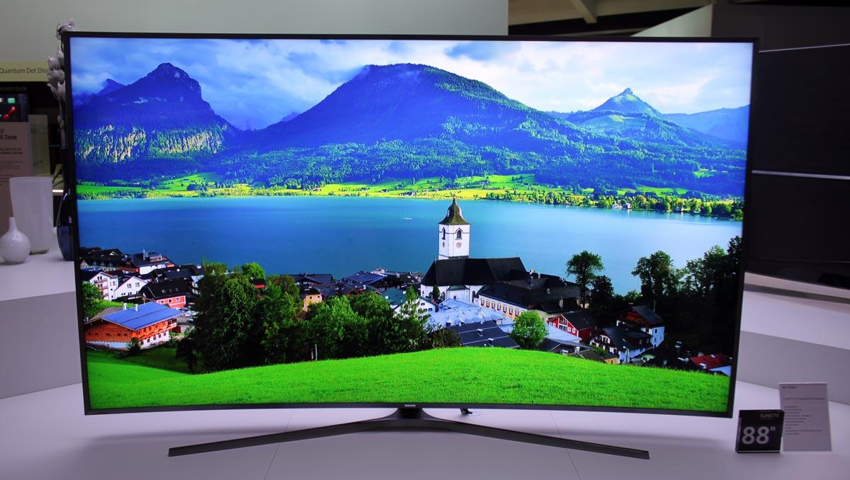 2c2d12d86 Nový model Samsung KS9800 má úhlopříčku 88 palců, tedy zaokrouhleně dva a  čtvrt metru. Používá LCD displej s kvantovými tečkami a local dimmingem.