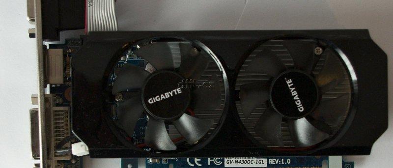 GeForce GT 430: čelní pohled