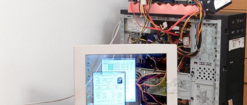 Prototyp transparentního LCD monitoru