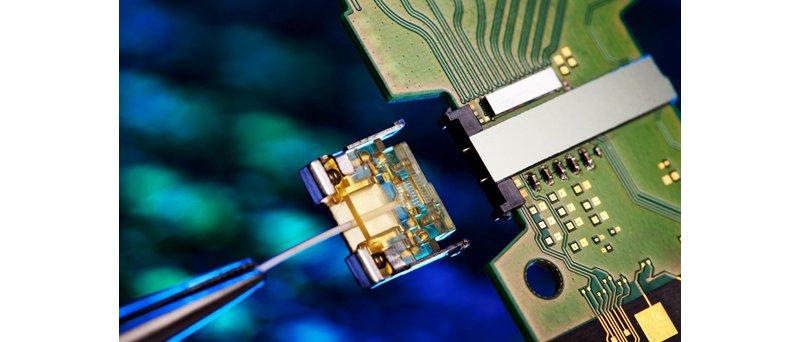 Intel 50 Gbitové Silicon Photonics člen detail