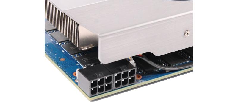 Club 3D GeForce GTX 560Ti Green Edition - napájecí konektory