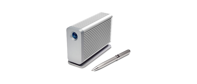 LaCie Little Big Disk (zdroj: http://www.dailytech.com/LaCie+Announces+Little+Big+Disk+With+Thunderbolt+Intel+510+Series+6Gbps+SSDs/article20999.htm)