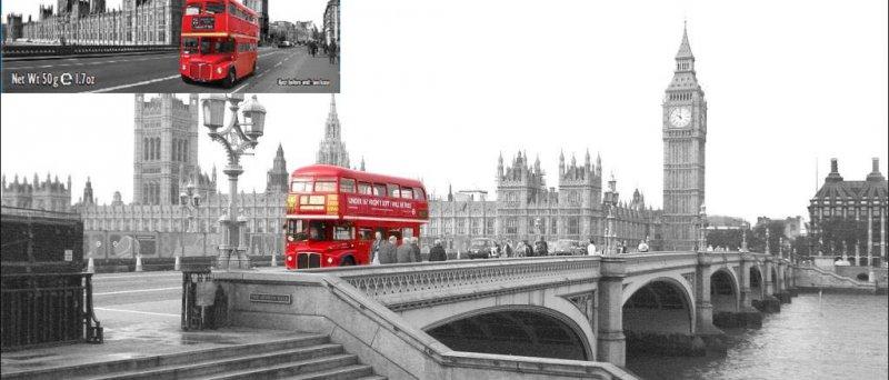 Red Bus - jedna fotografie porušuje práva autora druhé fotografie