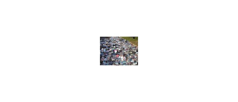 Obr: Ničení zabavených CD v přímém přenosu (téměř)