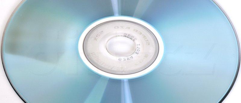UV Test - CD-R Verbatim SuperAZO po 5 týdnech pod UV lampou