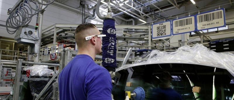Volkswagen Google Glass 01