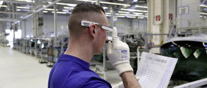 Volkswagen Google Glass 02