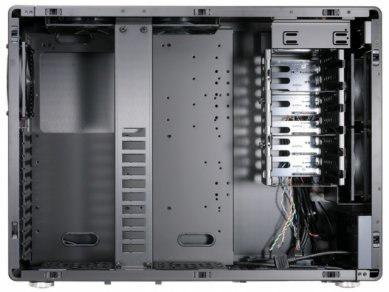 Lian-Li PC-V750 - Obrázek 5