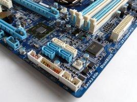 Gigabyte GA-H67MA-UD2H: SATA porty a další konektory
