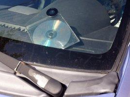 Data Tresor Disc za sklem auta