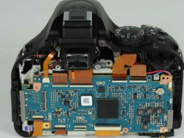 Nikon D5200 - rozebraný