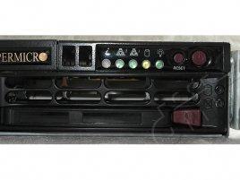 Supermicro SYS-8017R-TF+ - přední panel